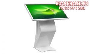 Màn hình LCD quảng cáo chân quỳ 1